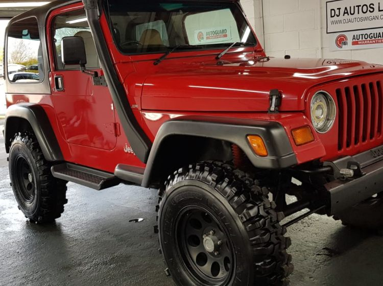 Jeep Wrangler 4.0 auto red snorkel fitted lifted suspension 1997 manual gears excellent condition px poss
