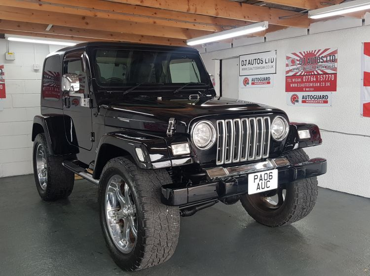 Jeep Wrangler 4.0 auto Sahara 2006 black fresh import rust free 4.5 in stock excellent condition px and finance 6 months warrant