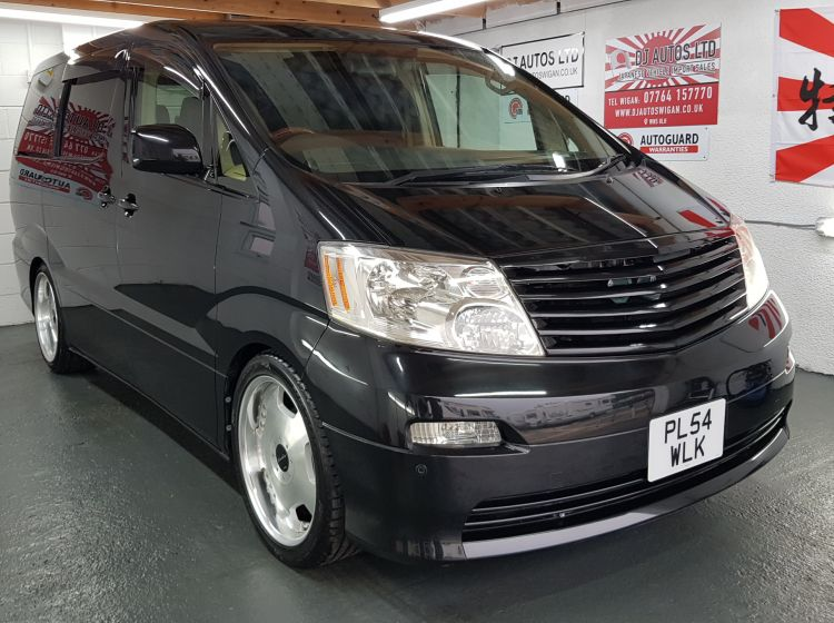 Toyota alphard black 2.4 petrol mpv auto fresh import 8 seater 2004 *44000 in stock twin sunroofs,4 new tyres, 6 month warranty