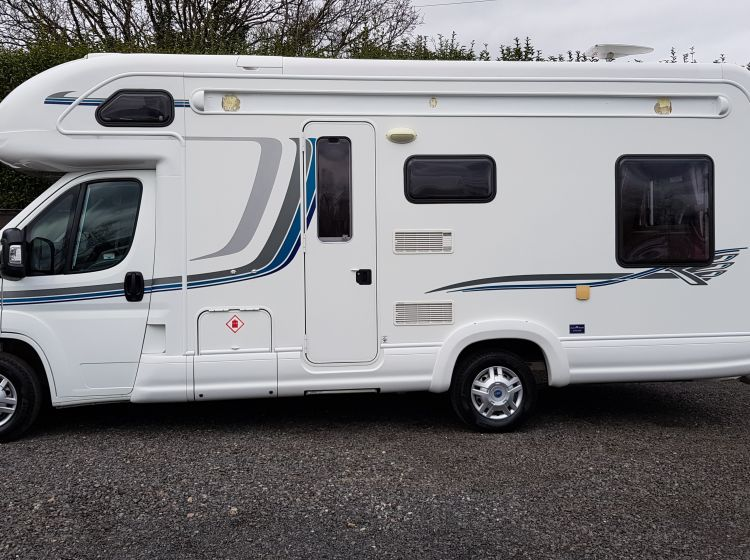 now sold thanks!!!!!!!Autotrail apache 634L se motorhome 2.3 diesel 4 berth 2 seat belts excellent sold with new timing belt kit and service roof aircon