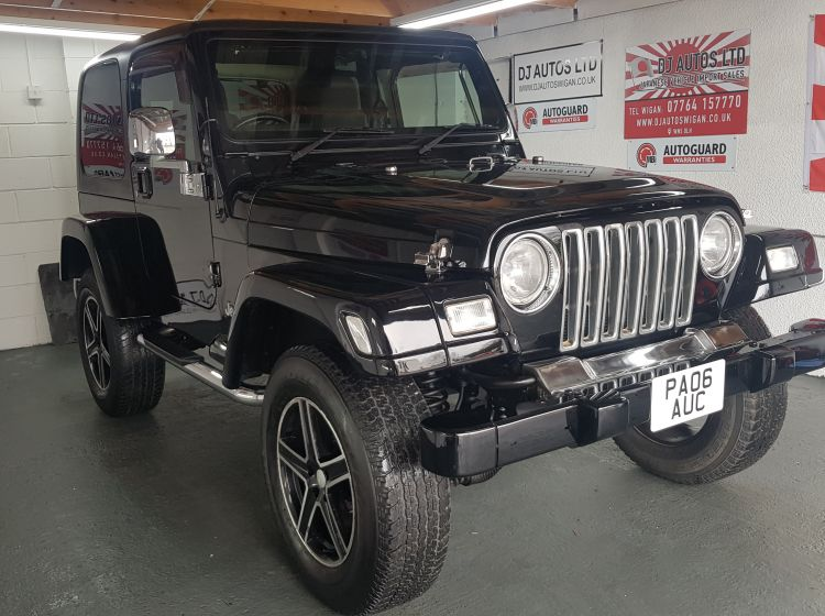 Jeep Wrangler 4.0 auto Sahara 2006 black fresh import rust free 4.5 in stock excellent condition px possible 3 months warranty