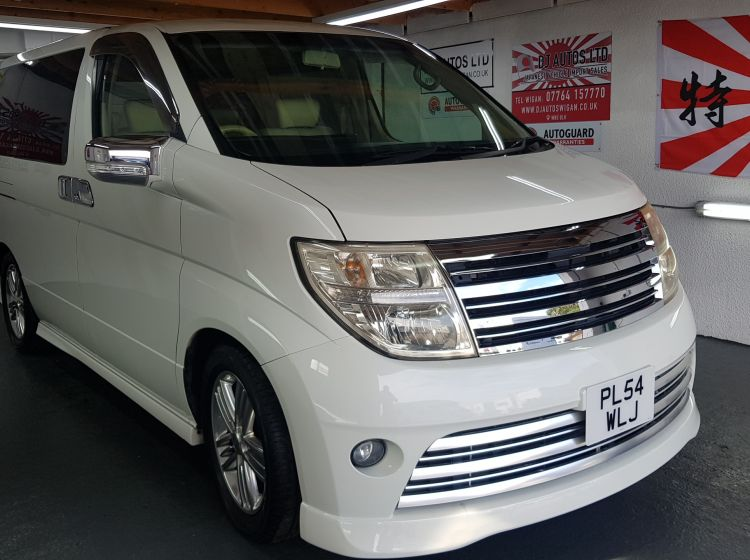 now sold thanks!!!!!!Nissan elgrand 3.5 rider white automatic 8 seater fresh import  22000 miles-6 months warranty nationwide