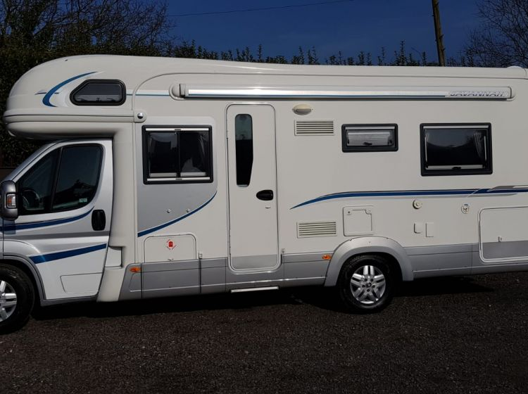 now sold thanks!!!!!!Autotrail savannah motorhome 3.0 diesel 6 berth 2 seat belts 2010 single beds :	fsh 2 keys excellent condition px and finance welcome only 15k miles from new
