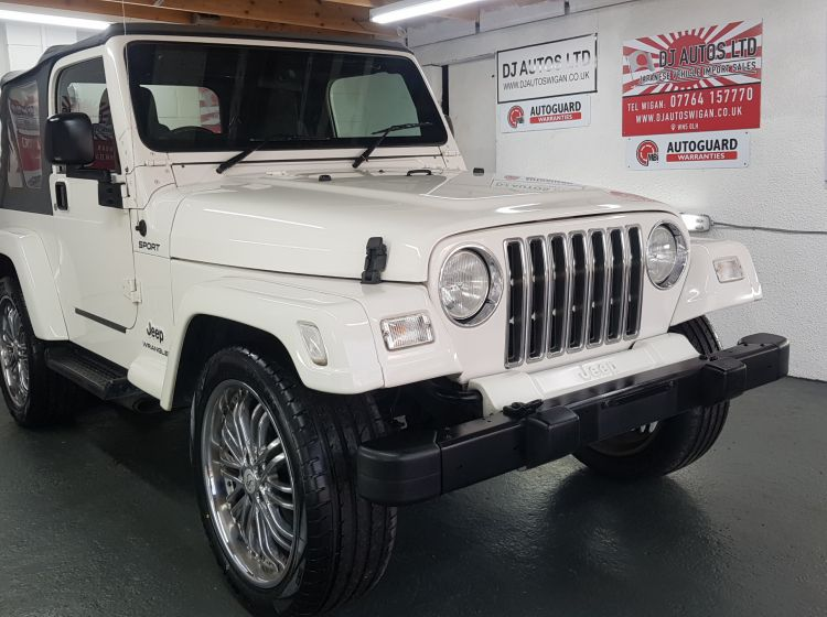 Jeep Wrangler 4.0 auto white jap import new tyres rust free in stock 2005 excellent condition px and finance 3 months warranty