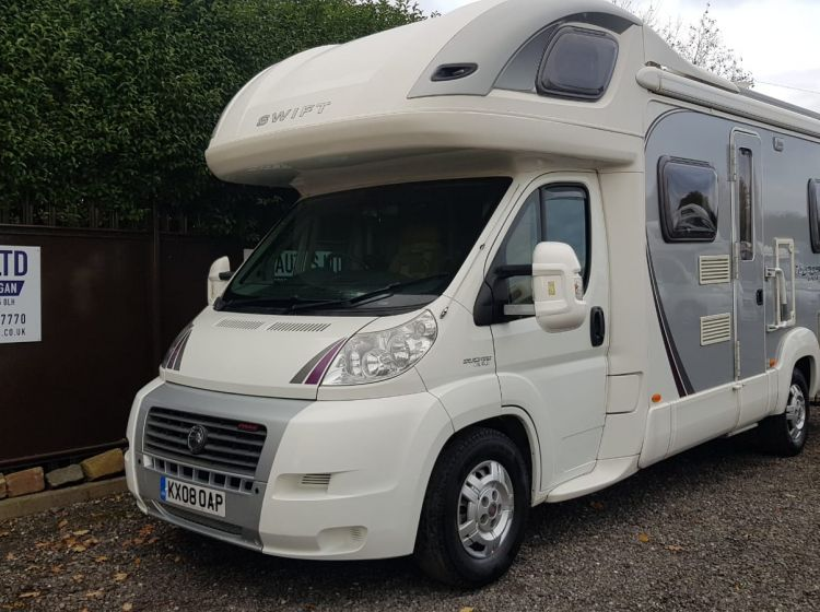 motorhome swift voyager 695 el 4 berth 4 seatbelts with extras 2008 	fsh 2 keys excellent condition px and finance welcome