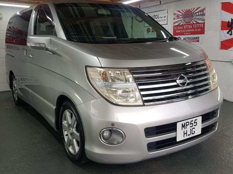 now sold thanks!!!!Nissan Elgrand 3.5 automatic 8 seater silver day van in stock 2006 excellent condition px and finance 6 months warranty