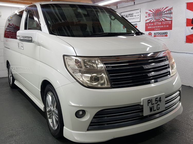 now sold thanks!!!!!!Nissan Elgrand Rider 3.5 automatic 8 seater twin sunroofs elec side doors dvd 05 fantastic condition fresh import in stock