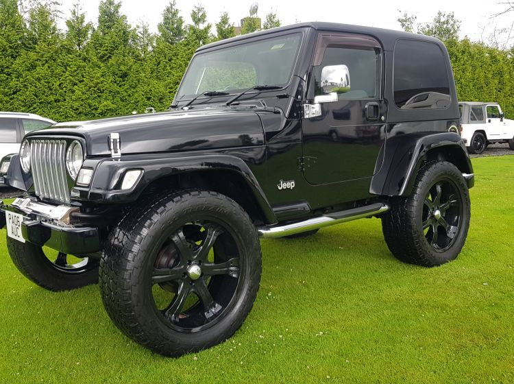 now sold thanks!!!!!Jeep Wrangler 4.0 auto Sahara 2006 black fresh import rust free 4.5 in stock excellent condition px possible 3 months warranty