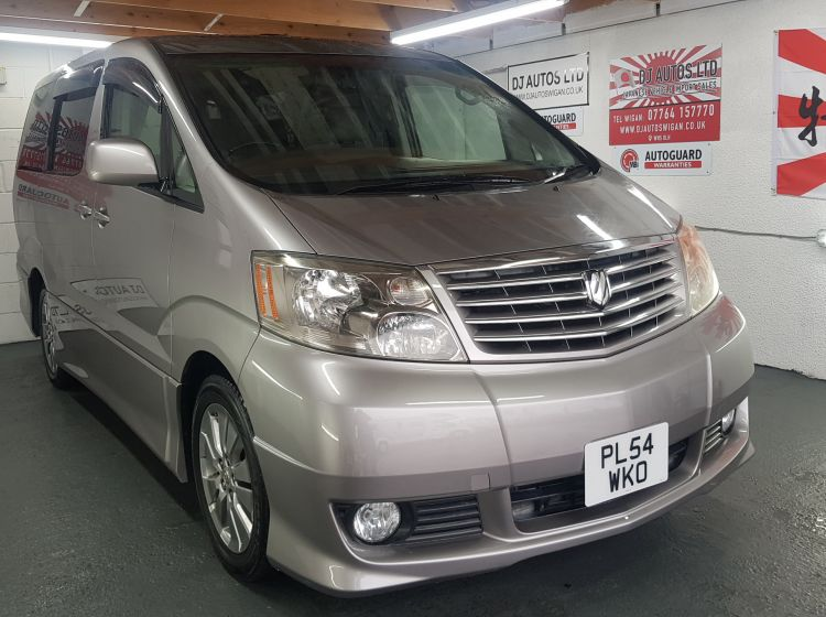 Toyota Alphard 3.0 4wd grey petrol automatic 8 seater fresh import 2004 in stock new timing belt fitted a1 condition