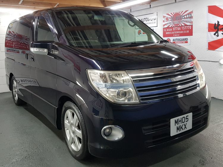 Nissan elgrand 2500cc highway star black sunroofs fresh import in stock px and finance 6 months nationwide warranty 2005