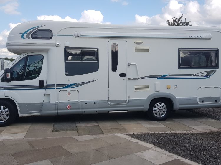 now sold thanks!!!!!!!!autotrail scout 30 diesel motorhome 6 seatbelts 6 berth u shape lounge fsh 2 keys excellent condition px and finance welcome