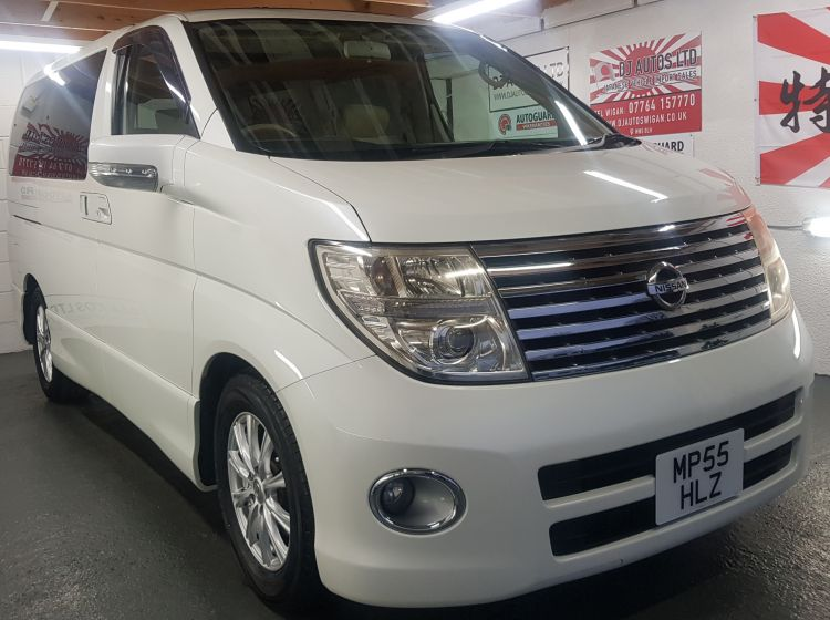 now sold thanks!!!!!!!Nissan Elgrand 3.5 automatic 8 seater white twin sunroof cruise control 05 	excellent condition px and finance 6 months warranty
