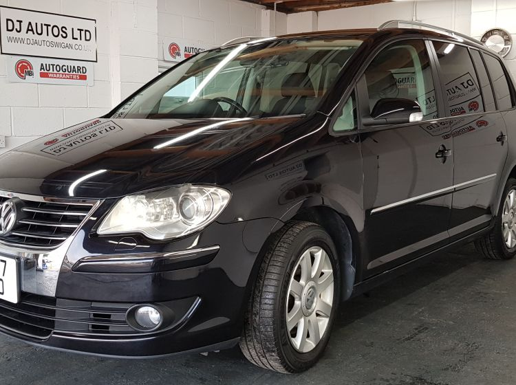 now sold thanks!!!!!!Volkswagen Touran 1.4 TSI auto 7 seater black japanese import excellent condition px and finance 2x cameras fitted