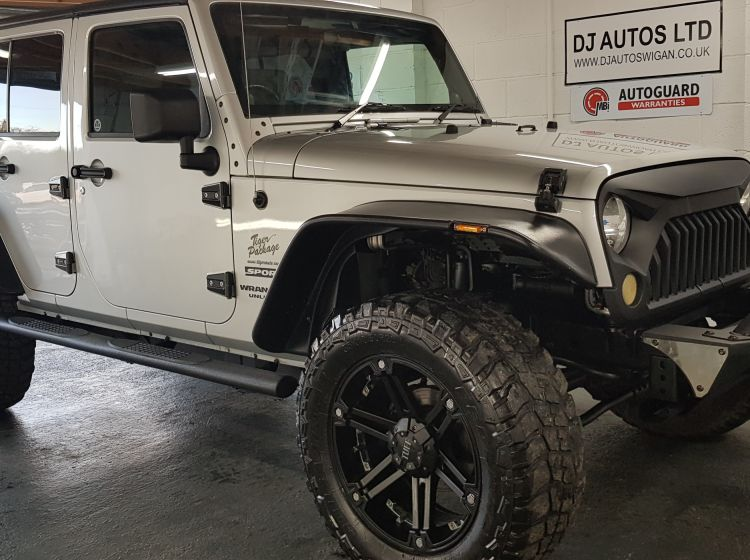 Jeep wrangler limited 3,8 automatic petrol auto silver show car rust free jap import 2008  awesome