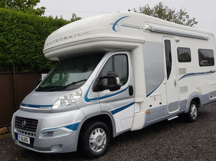 autotrail apache 3.0 diesel motorhome 634 u shape lounge luxury 2 berth  2011 fsh 2 keys excellent condition px and finance welcome
