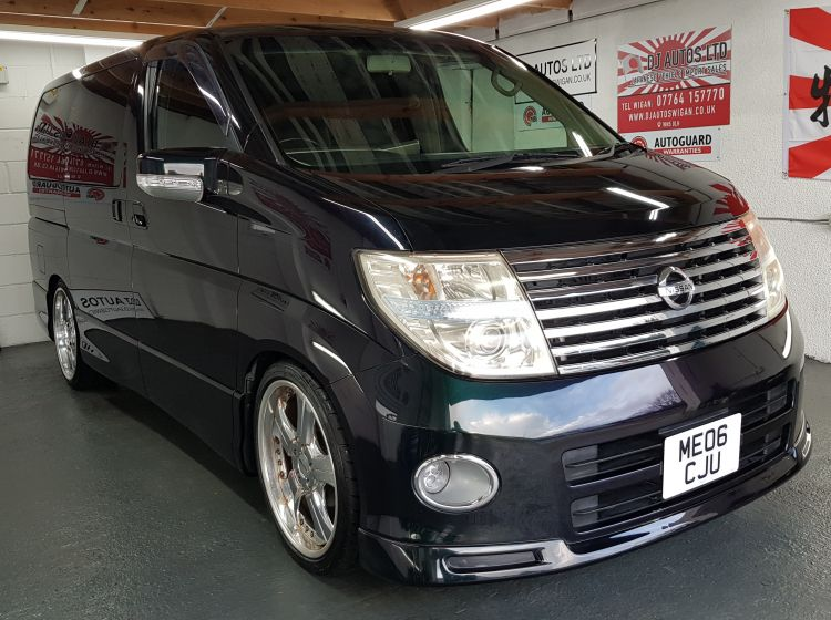 now sold thanks!!!!!!!!!!Nissan elgrand 2500cc highway star import automatic black day van 2006 in stock excellent condition px and finance 6 months warranty