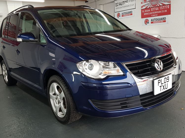 Volkswagen Touran 1.4 TSI auto 7 seater blue japanese fresh import 2009	In stock excellent condition px and finance poss