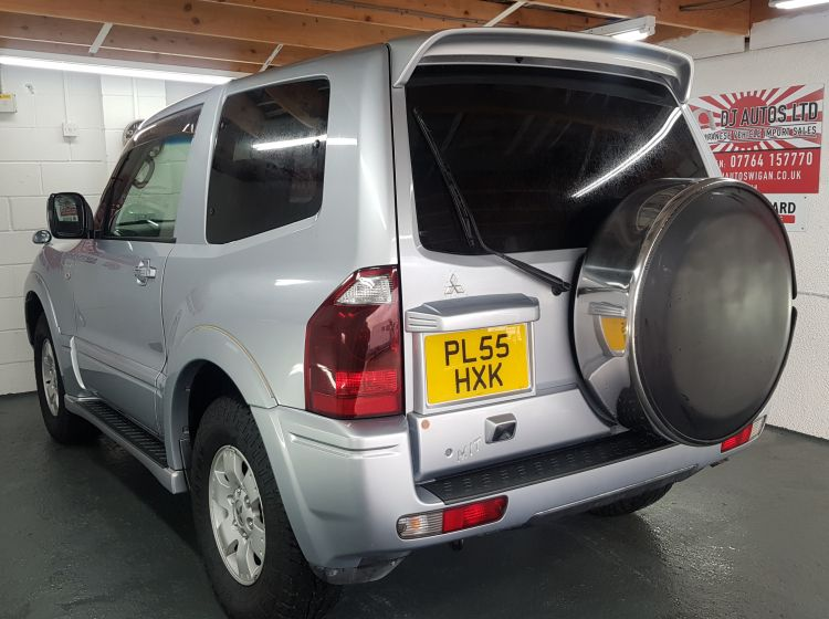 Mitsubishi Pajero 3 door 3000cc auto silver japanese import corrosion free 2006 	In stock grade 4-b only 40k miles 69