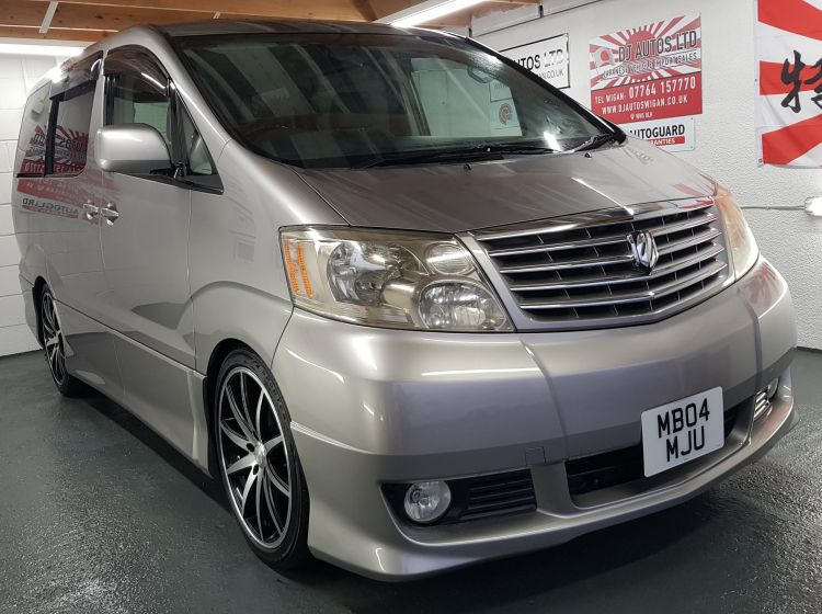 Toyota Alphard 2.4 4wd grey petrol automatic 8 seater japanese import grade 4 	in stock 4 new tryes fitted,64k miles quote 78