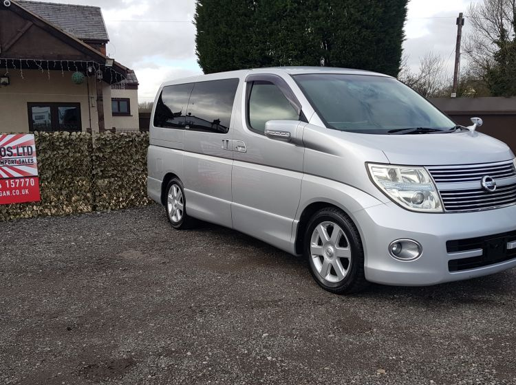 Nissan Elgrand 2.5 automatic 8 seater silver 4wd fresh import in stock 07 excellent condition px and finance 6 months warranty quote 95