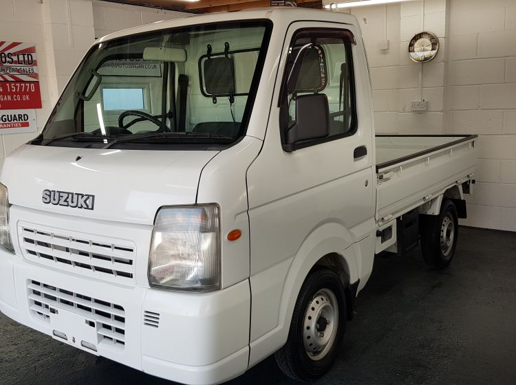 now sold thanks!!!!Suzuki carry 650cc 4wd switchable mini pick up only 8k miles corrosion free 2009 -quote 99 -power steering px poss