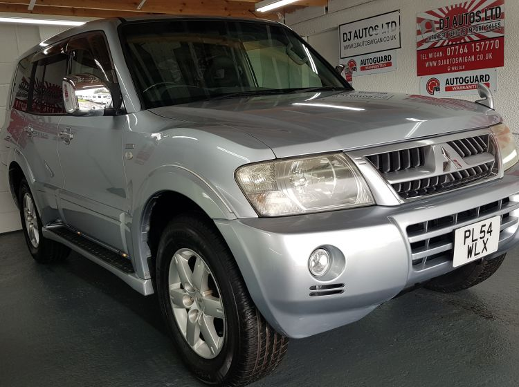 now sold thanks!!!!!!!!!Mitsubishi Pajero 3.0 automatic silver leather jap import rear camera -in stock corrosion free grade 4-b excellent condition only 64k 2005