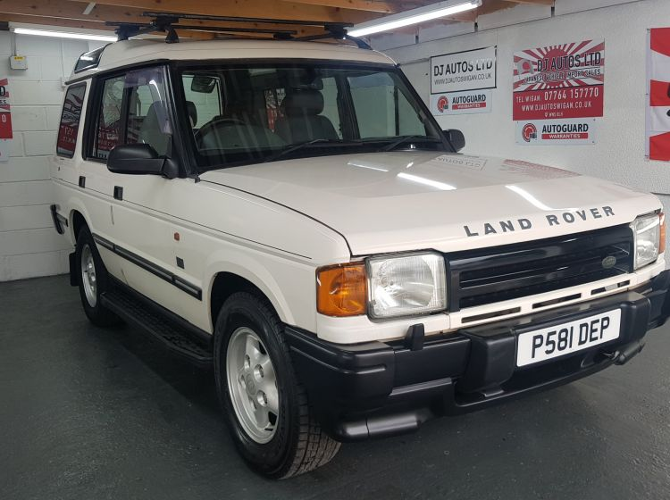 Land Rover Discovery white 3.9 V8i auto japanese import collectors corrosion free 1998 excellent alround condition must be seen twin sunroofs