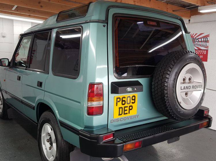 Land Rover Discovery 2.5 300 tdi auto jap import corrosion free collecters 1997new head lining fitted only 56k miles