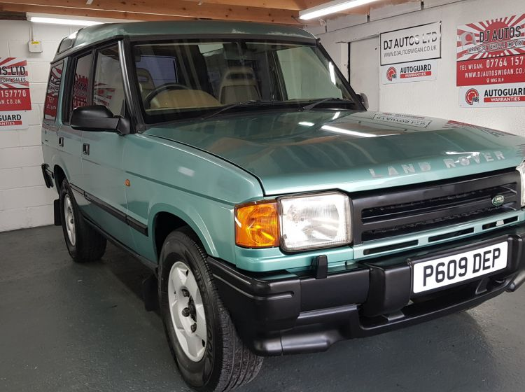 Land Rover Discovery 2.5 300 tdi auto jap import corrosion free collecters 1997	new head lining fitted only 56k miles