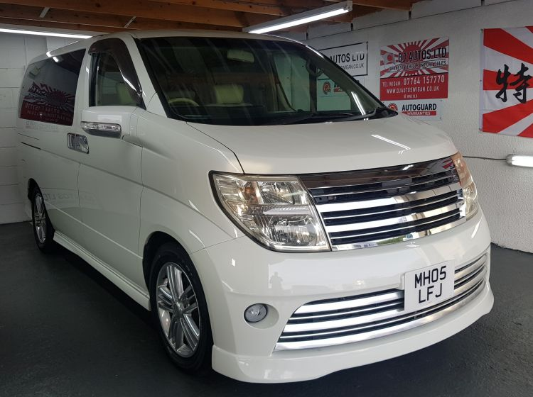 Nissan elgrand 3.5 rider white automatic 8 leather seater 4 x new tyres in stock:	6 months warranty nationwide in stock