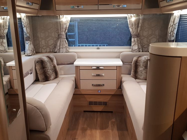 Swift kontiki 649 black edition motorhome 3.0 diesel 6 berth 6 seatbelts 2016 1 owner only 18000 miles from new excellent condition