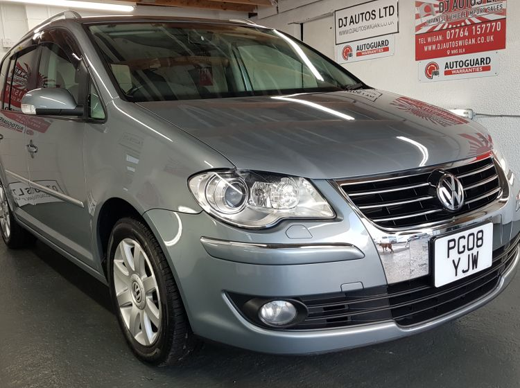 Volkswagen Touran 1.4 TSi dsg highline spec grey japanese import in stock 2008 excellent condition px and finance 6 months warranty