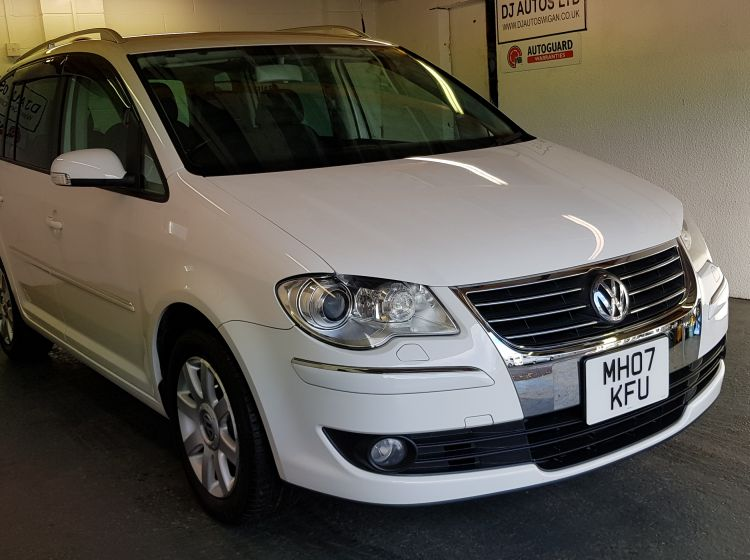 now sold thanks!!!!!Volkswagen Touran 1.4 TS highline DSG white top class japanese import- finance px welcome excellent alround condition 6 months warranty