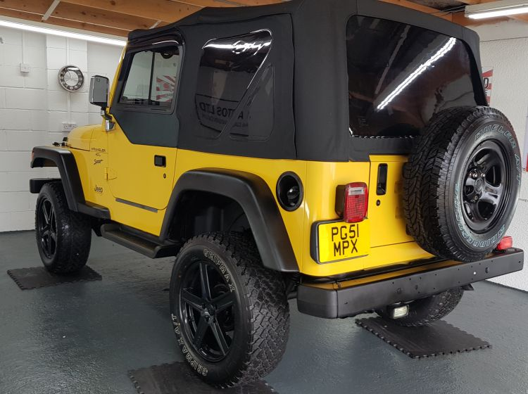 Jeep Wrangler 4.0 manual lifted yellow jap import rust free 2001 in stock new tyres refurbed alloys soft top perfect